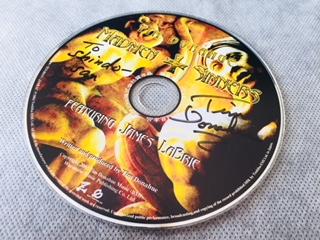 James Labrie氏との共演が聴ける作品のCDに書かれたTim Donahue先生のサイン。