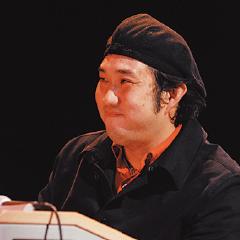 本講座を担当するエレクトーン講師・おぎたひろゆき先生。ヤマハエレクトーンデモンストレーターも務めている。