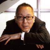 本講座を担当するピアノ指導講師・岳元恭治講師。音楽教室運営法など様々な授業を担当。
