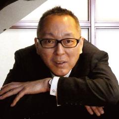 本講座を担当するピアノ指導講師・岳本恭治先生。音楽教室運営法など様々な授業を担当。